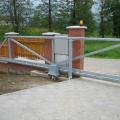 Ukončená montáž posuvné brány.